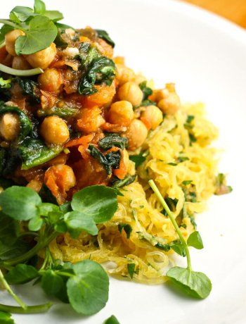 Roasted Spaghetti Squash with Chickpea Ragout
