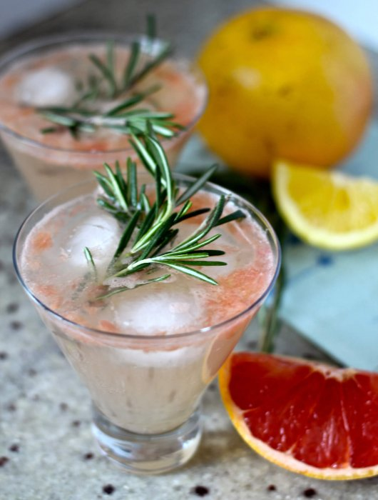 Rosemary-Grapefruit-Fizz
