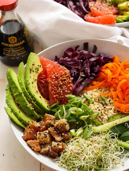 Easy Tuna Steak Poke Bowl