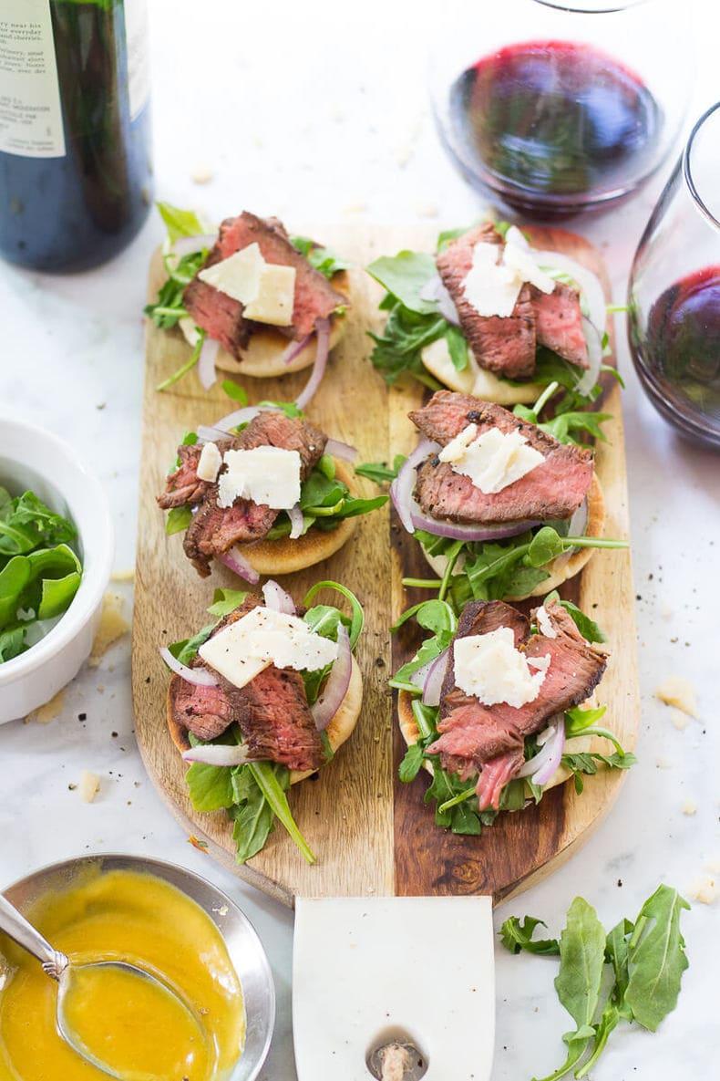 Steak and Arugula Salad Bites