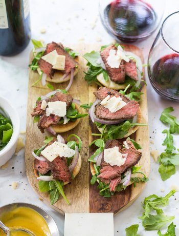 Steak and Arugula Salad Bites