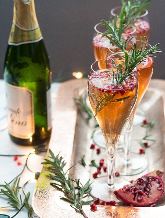 Champagne Pomegranate Spritzers