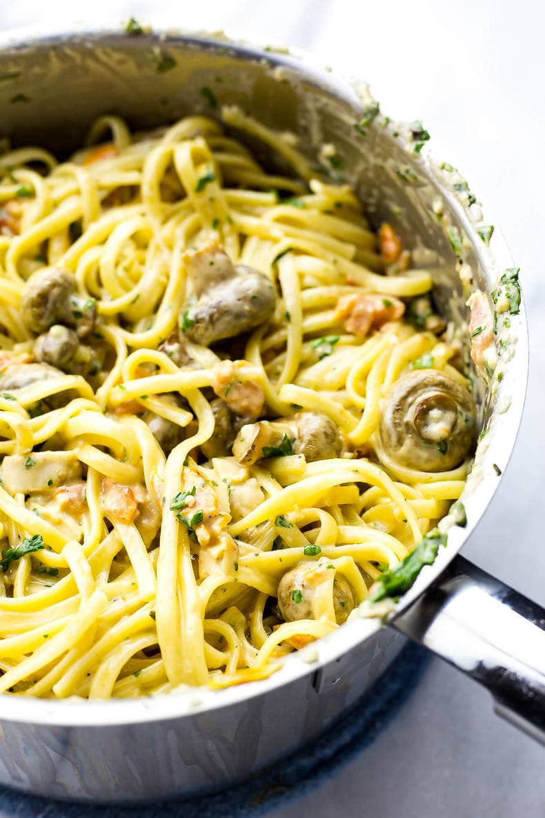 This Linguine Chicken Tetrazzini is a delicious and luxurious pasta dish filled with roasted garlic mushrooms, bruschetta, fresh parsley and grilled chicken!
