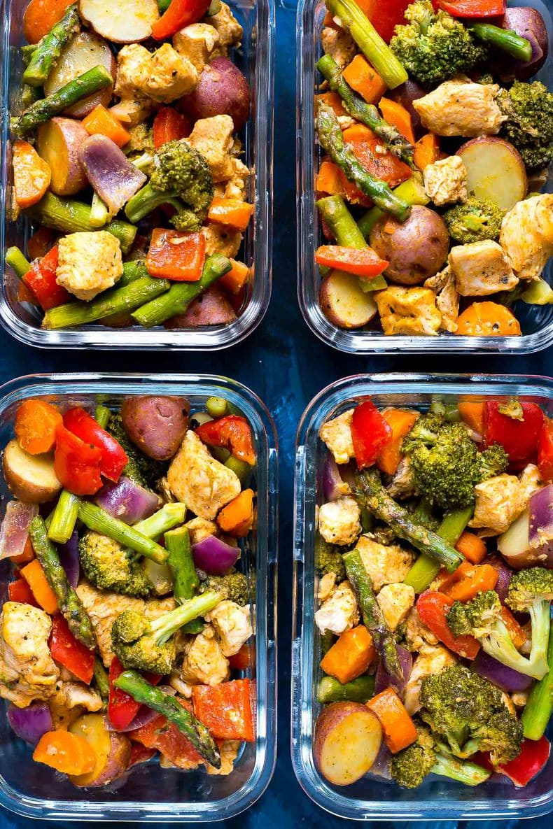 This Sheet Pan Sriracha Ranch Chicken is a super easy and healthy 30-minute dinner and doubles as your weekly lunch prep - just add dry ranch seasoning, your favourite veggies and some hot sauce!