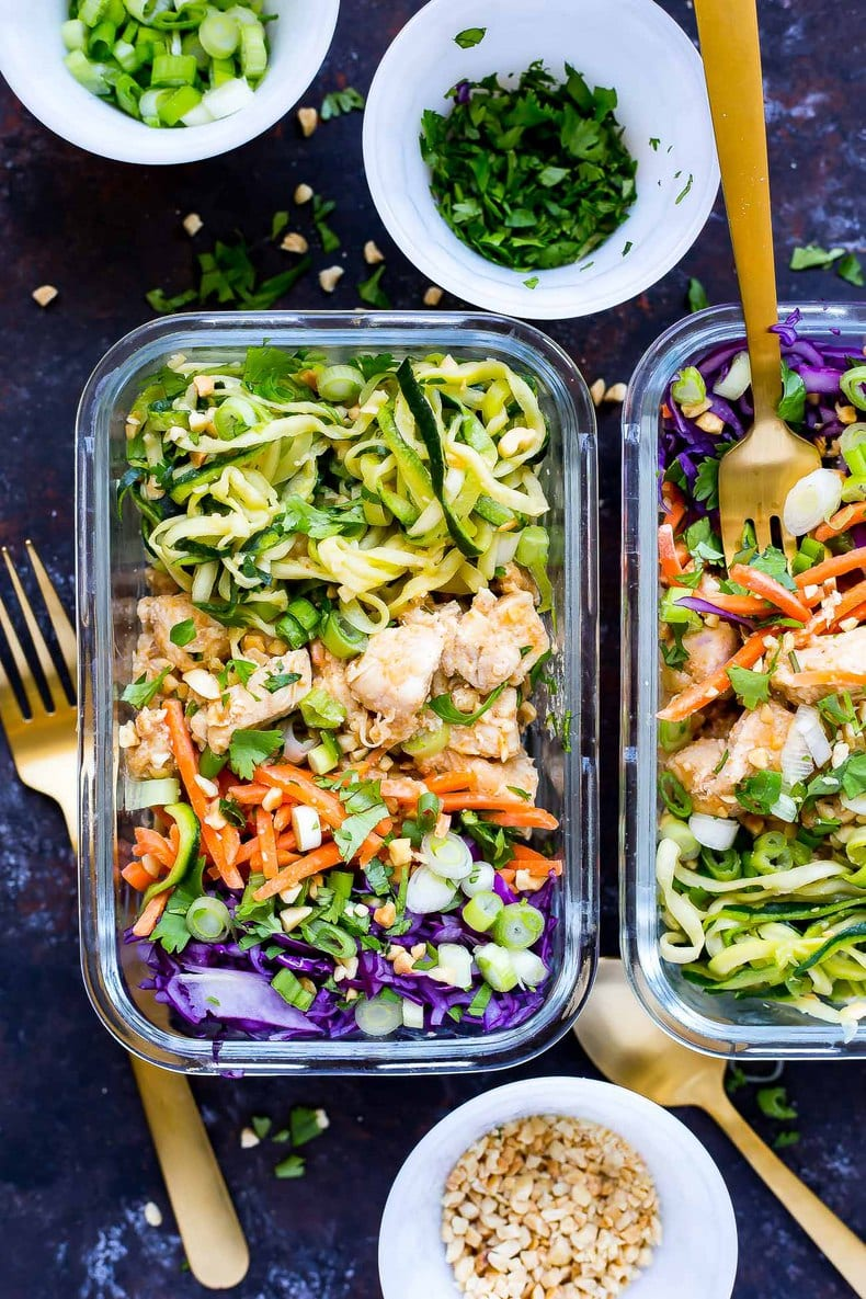 spiralized pad Thai chicken meal prep bowls