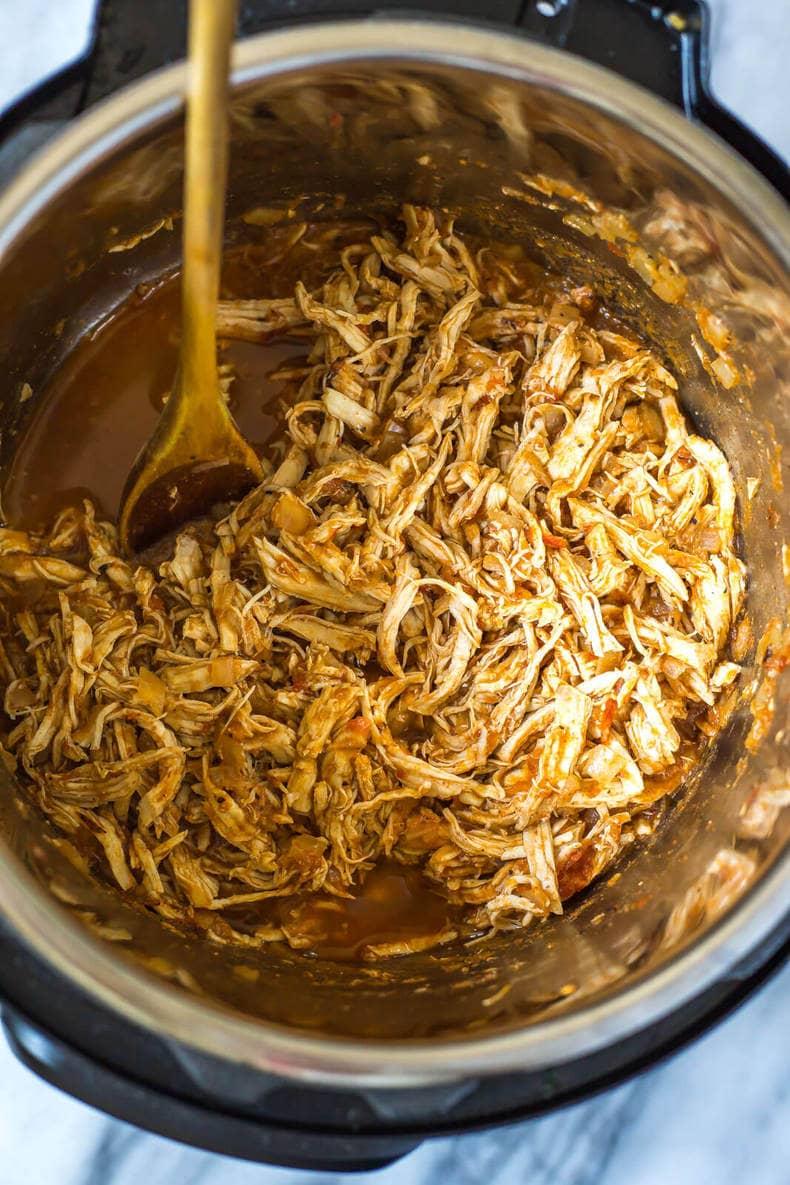 Instant Pot Chicken Tinga Tacos