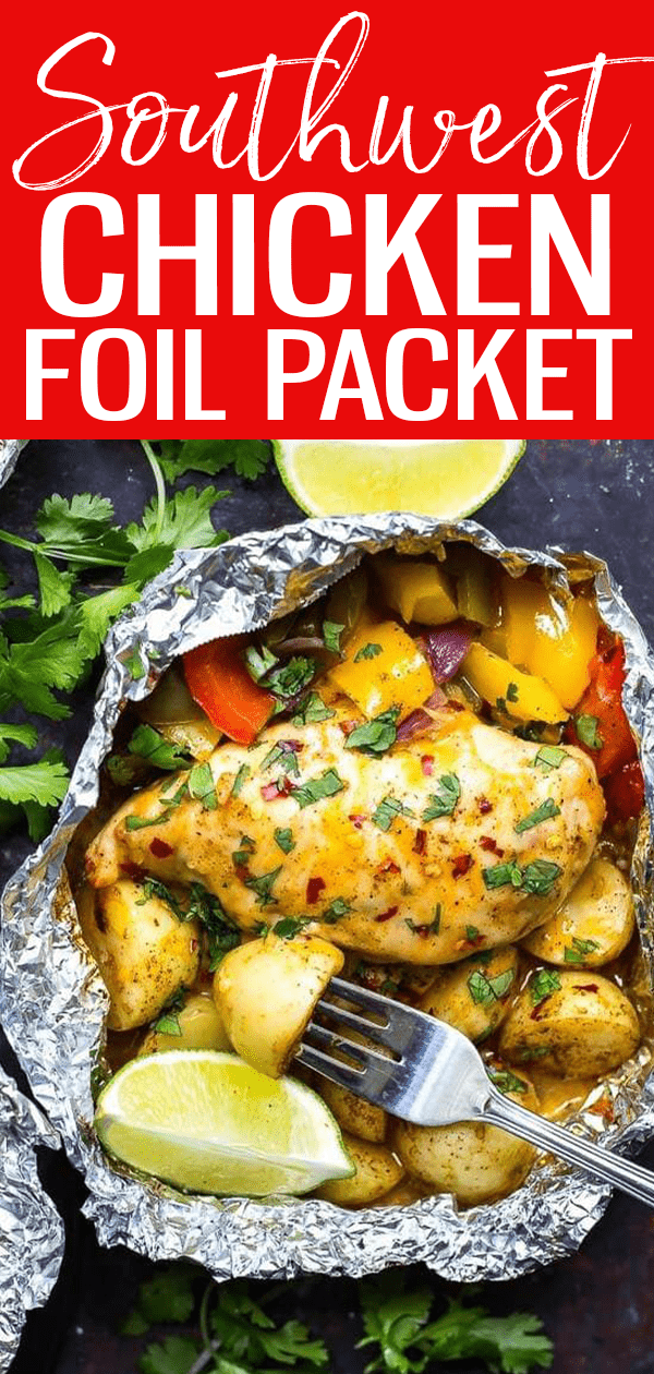 These Southwest Chicken Foil Packets with Veggies are a tasty BBQ idea. Throw everything in a foil packet and say goodbye to dirtydishes! #foilpackets #southwestchicken