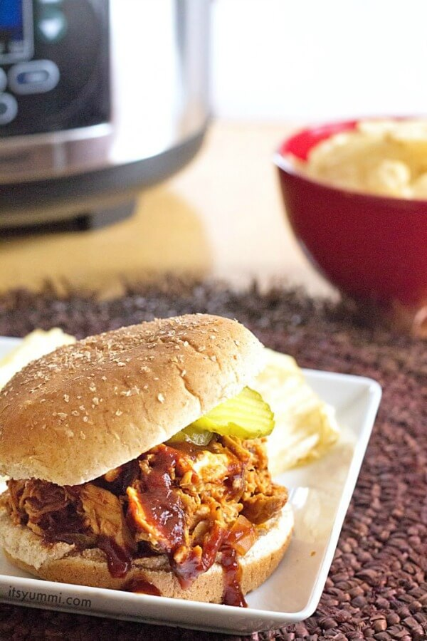 Slow Cooker pulled chicken sandwich
