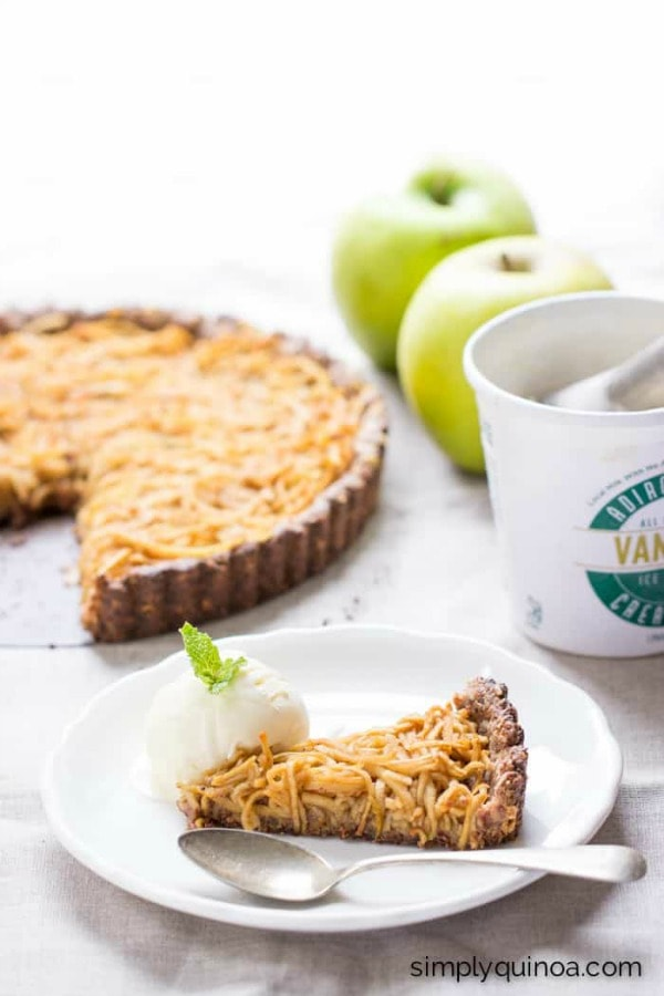 spiralized apple tart with quinoa crust