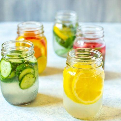 How to Make Lemon Water 5 Ways