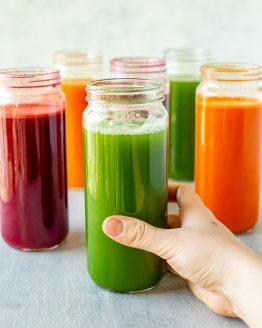 Juicing Recipes {Green, Beet & Carrot Juices}