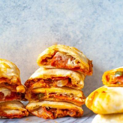 Freezer-friendly Homemade Pizza Pockets